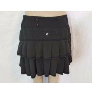 Lululemon Black Pace Setter Skirt 4 Skort Ruffles